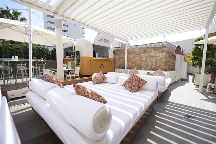 Hotel fenix torremolinos travel republic for Hotel luxury costa del sol torremolinos