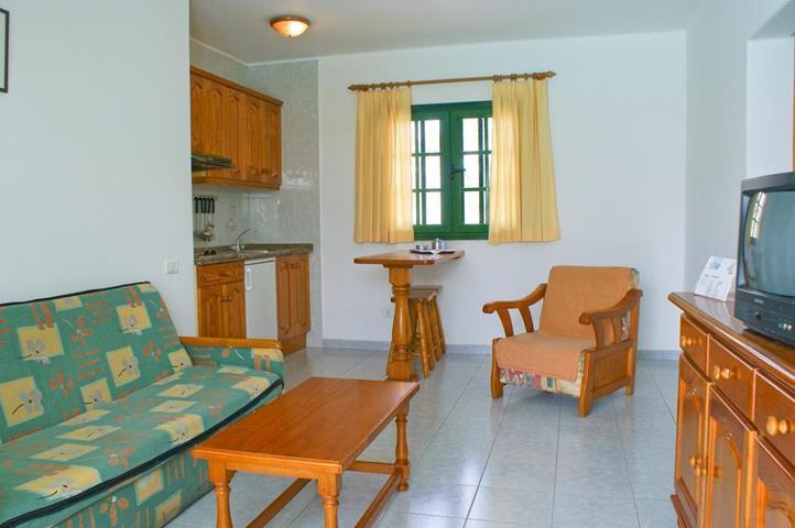 Aloe apartments puerto del carmen lanzarote spain - Apartamentos baratos en lanzarote puerto del carmen ...