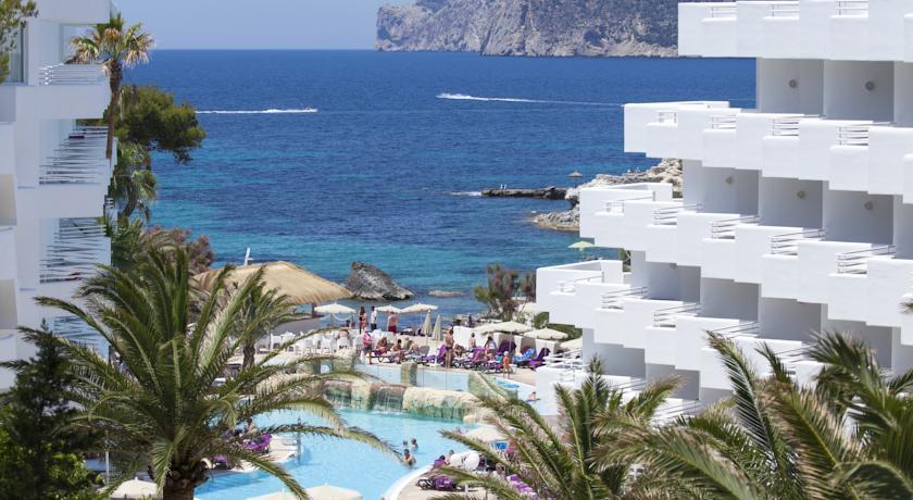 Fergus style cala blanca travel republic for Aparthotel d or jardin de playa santa ponsa