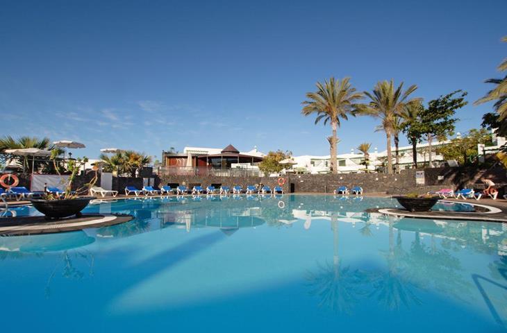 Matkatarjoukset: Blue Star Oasis Hotel Teneriffa