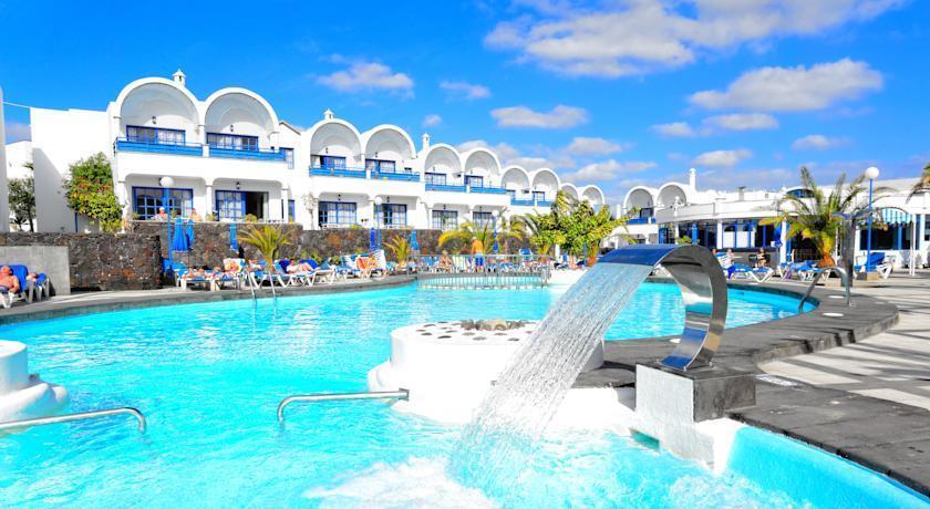 Puerto del carmen aparthotel puerto del carmen lanzarote spain travel republic - Cheap hotels lanzarote puerto del carmen ...