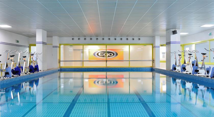 Oly hotel travel republic for Rome hotel piscine