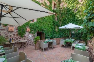 Rusticae el jardin vertical travel republic for Hotel el jardin vertical vilafames