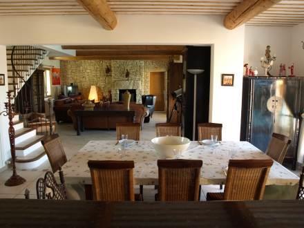 Holiday house le mas du lub ron ref for Le mas du luberon