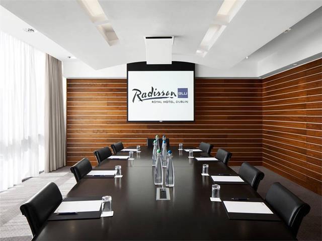 Radisson blu royal hotel dublin travel republic for Design hotel dublin